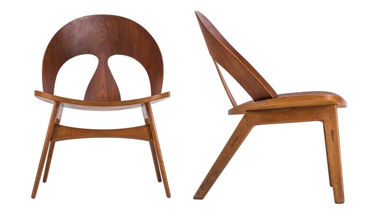 Rare and very early Mogensen plywood lounge chairs. Chairs with teak plywood seats and backs and oak legs. Signed with early Erhard Rasmussen labels.