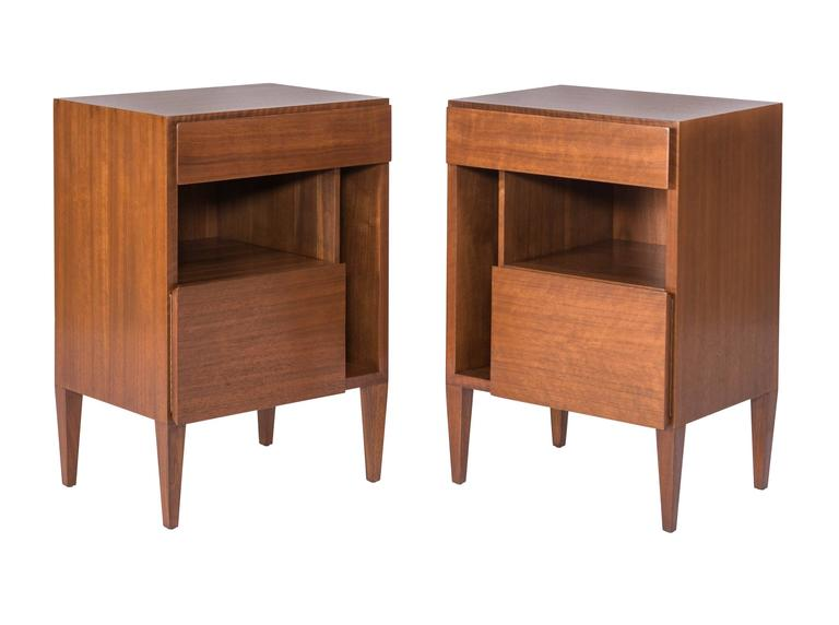 Gio Ponti Nightstands for Singer & Sons In Excellent Condition For Sale In Pawtucket, RI