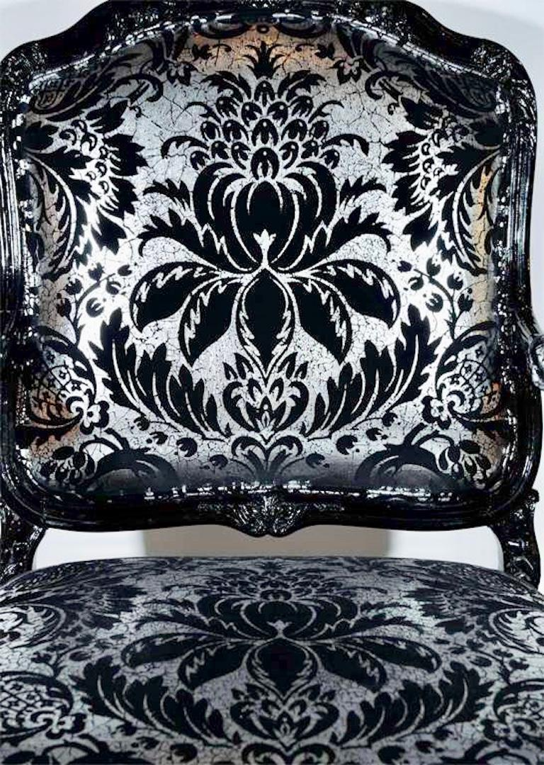 Hollywood Regency Bergere Chair in Embossed Velvet and High Gloss Lacquer For Sale 2
