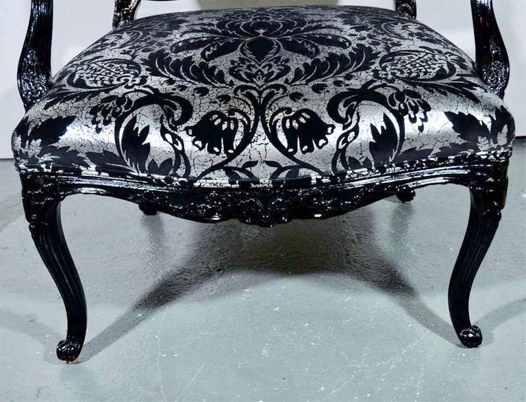 Hollywood Regency Bergere Chair in Embossed Velvet and High Gloss Lacquer For Sale 3
