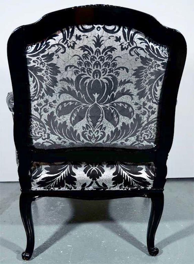 Hollywood Regency Bergere Chair in Embossed Velvet and High Gloss Lacquer For Sale 6