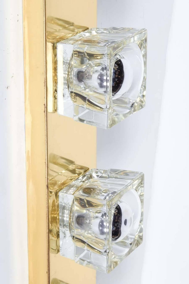 Mid-Century Modern Brass Wall Light with Cubist Design by Gaetano Sciolari For Sale 1