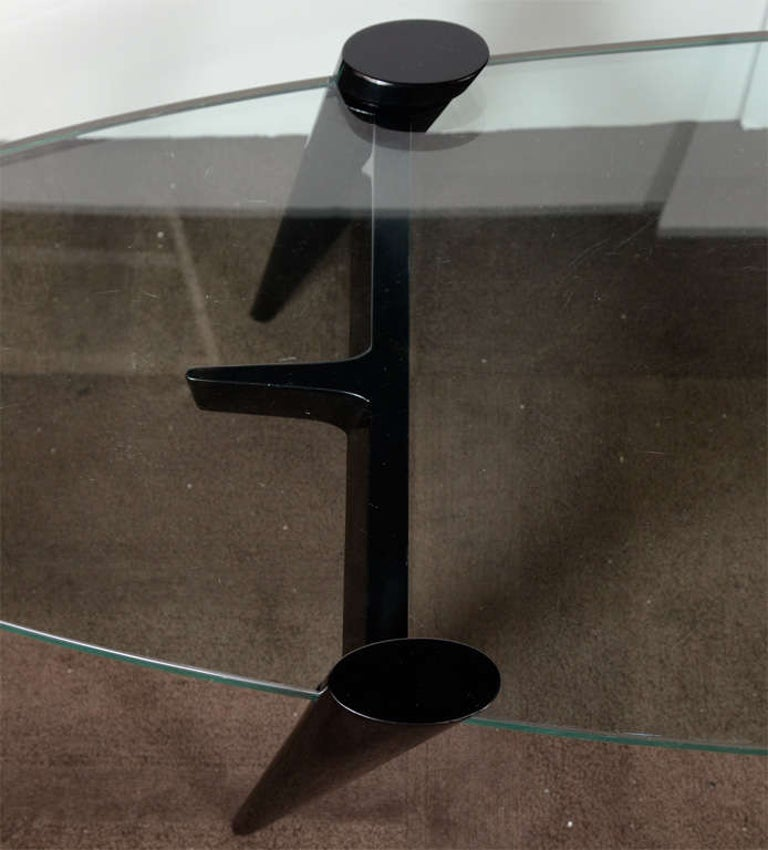 Mid-Century Modern Narrow Elliptic Coffee Table with Tapered Legs For Sale 1