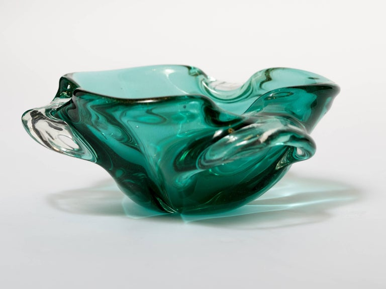 Hand-Crafted Seguso Mid-Century Modern Murano Bowl in Emerald Green For Sale