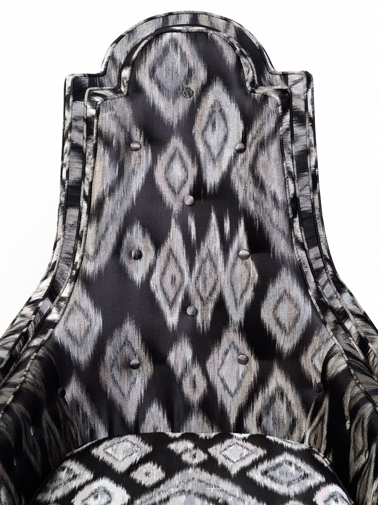 Pair of Hollywood Regency Lounge Chairs in Graphic Ikat Silk For Sale 4