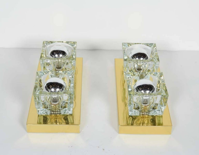 Pair of Mid-Century Modern Brass and Glass Cube Sconces by Gaetano Sciolari In Good Condition For Sale In Stamford, CT
