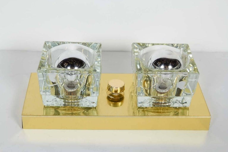 Pair of Mid-Century Modern Brass and Glass Cube Sconces by Gaetano Sciolari For Sale 2