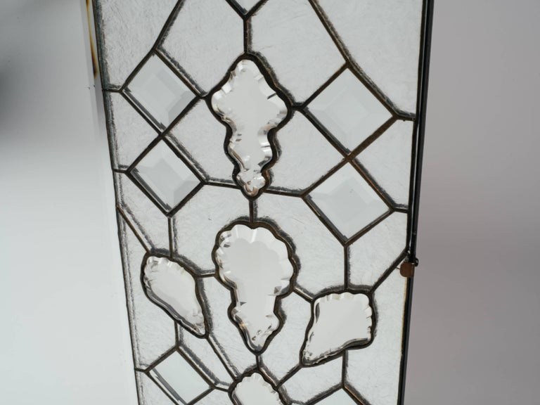 1940s Hollywood Regency Mirror with Large Cut Crystals Insets For Sale 2