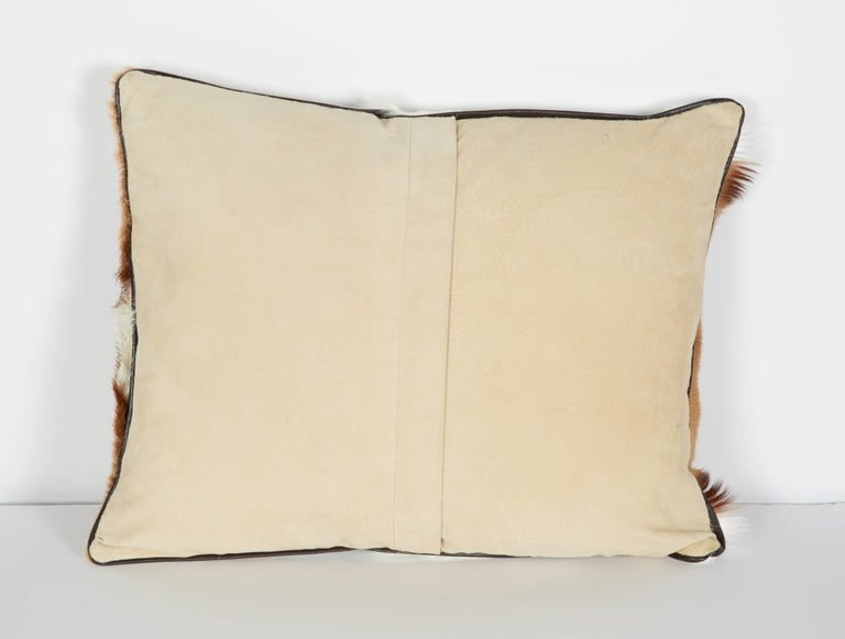 Pair of Luxury Fur Throw Pillows in Exotic African Springbok In Excellent Condition For Sale In Fort Lauderdale, FL