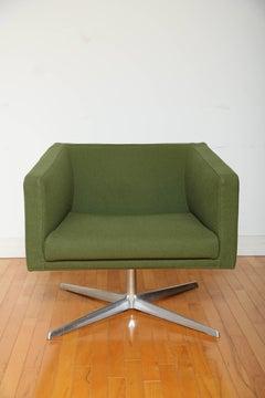 Mid-Century Modern Style Swivel Lounge Chair by Verzelloni