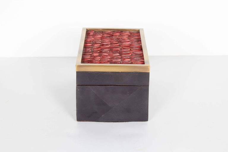 Organic Modern Decorative Box in Lacquered Pen Shell and Exotic Red Feathers In Excellent Condition For Sale In Stamford, CT