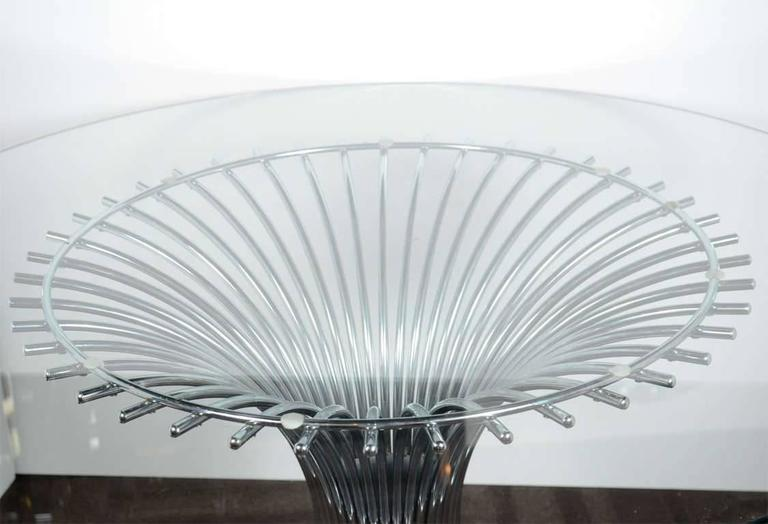 Polished Mid-Century Modern Circular Dining Table with Sculptural Chrome Base For Sale