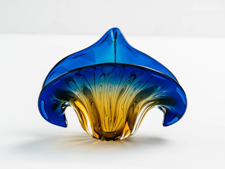 French Art Deco Fleur-de-Lis Murano Vase in Vibrant Blue and Amber For Sale