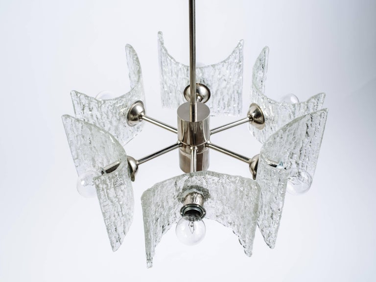 German Mid-Century Modern Ice Glass Chandelier by Kalmar For Sale 3