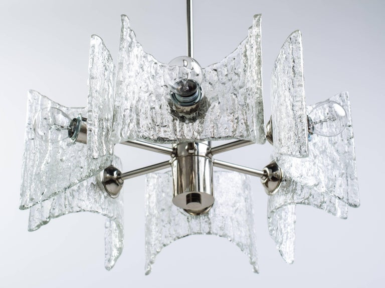 German Mid-Century Modern Ice Glass Chandelier by Kalmar For Sale 2