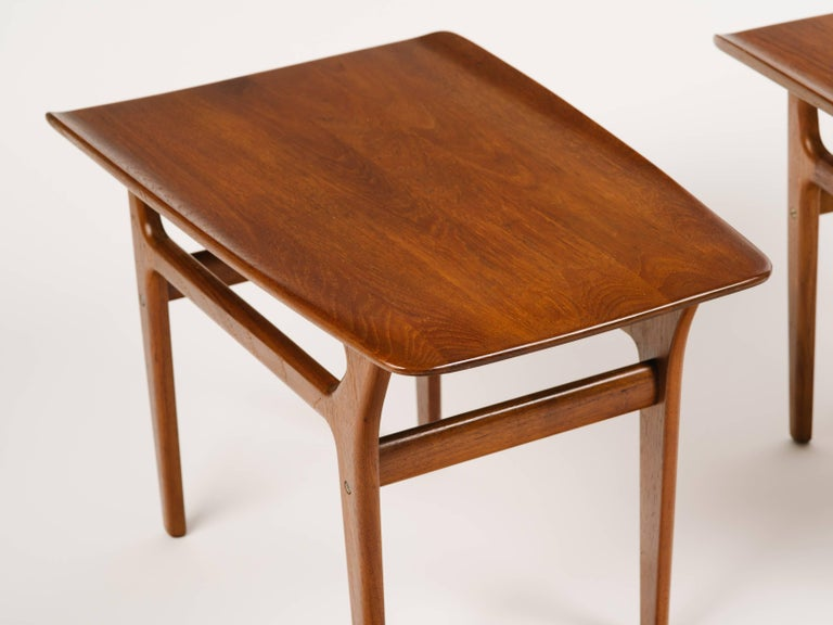 Pair of Danish Modern Teak Wood Side Tables in the Style of Poul Jensen In Excellent Condition For Sale In Stamford, CT