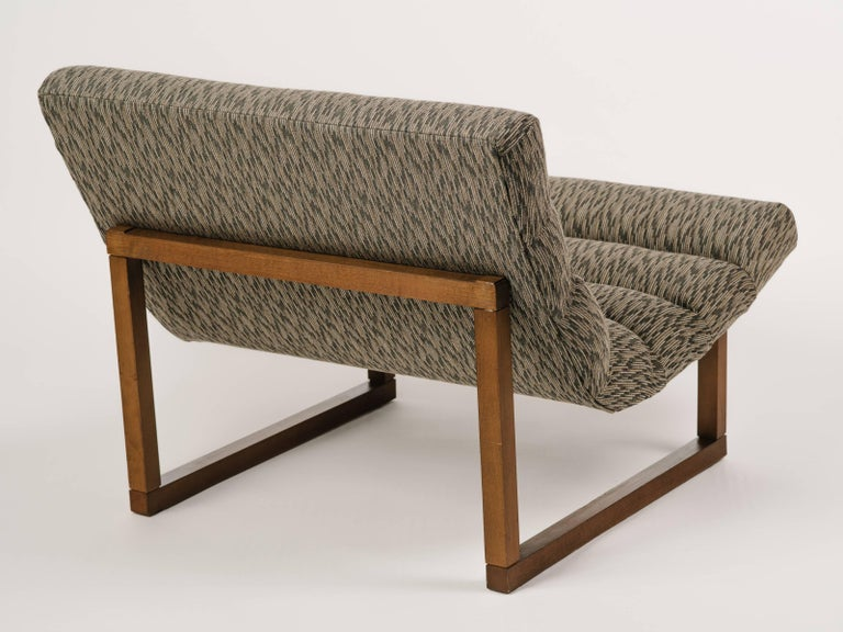 Walnut Pair of Mid Century Scoop Lounge Chairs, in the Style of Milo Baughman For Sale