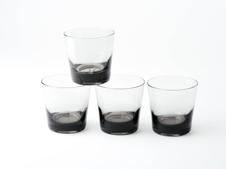 Set of Four Mid-Century Modern Smoked Grey Barware Glasses For Sale 3