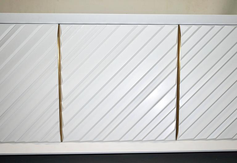 Frigerio 1970s Italian White Lacquered Carved Wood