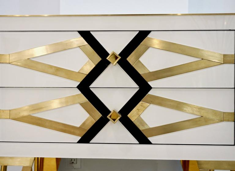 Contemporary Pair of Italian Gold Brass Black and White Side Tables/Nightstands In New Condition For Sale In New York, NY