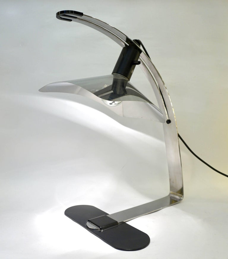 Organic Modern Grignani for Luci, 1970s, Italian Vintage Adjustable Black and Nickel Desk Lamp For Sale