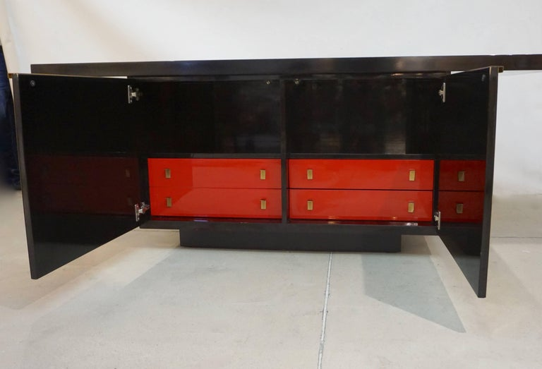1970s Frigerio Vintage Italian Black & Brass Freestanding Sideboard/Console In Good Condition For Sale In New York, NY