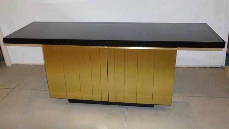 Mid-Century Modern 1970s Frigerio Vintage Italian Black & Brass Freestanding Sideboard/Console For Sale