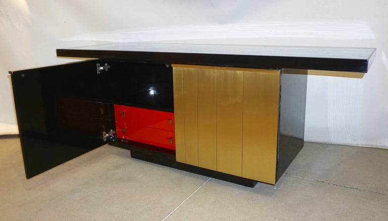 Brushed 1970s Frigerio Vintage Italian Black & Brass Freestanding Sideboard/Console For Sale