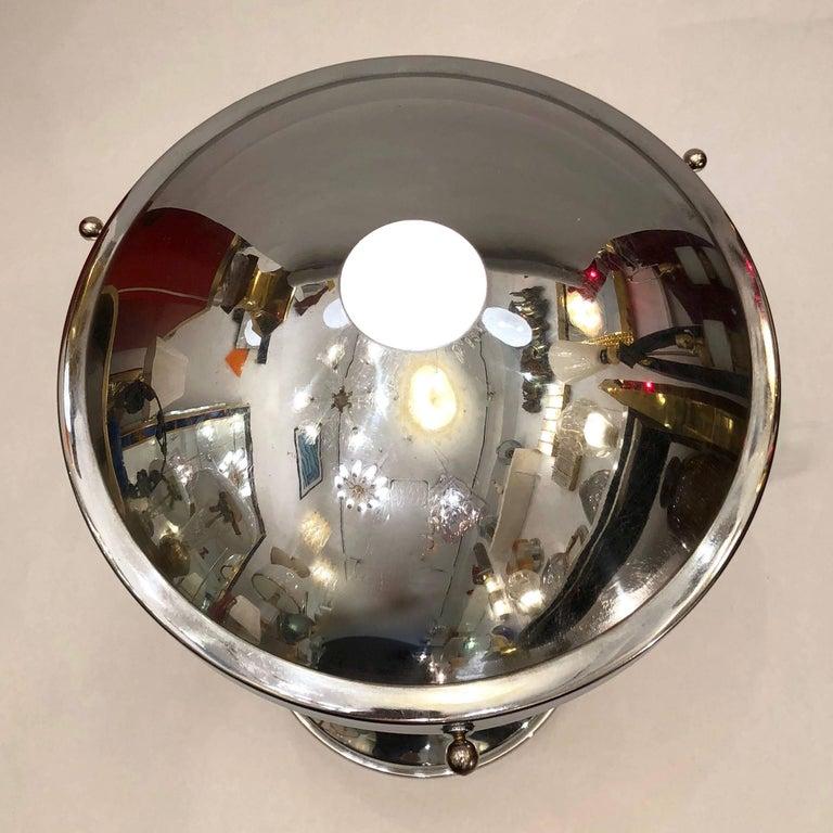 Mid-20th Century Valenti & Co 1960s Vintage Minimalist Italian Design Nickel and White Desk Lamp For Sale