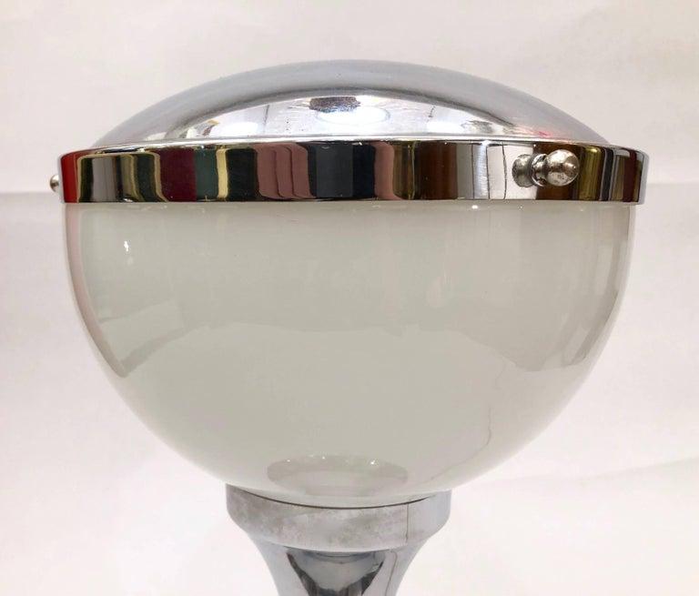 Valenti & Co 1960s Vintage Minimalist Italian Design Nickel and White Desk Lamp For Sale 2