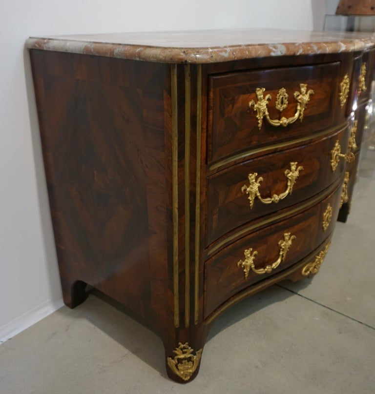 Maitre Marchand French Louis XV Ormolu Kingwood Chest / Commode with Provenance For Sale 4