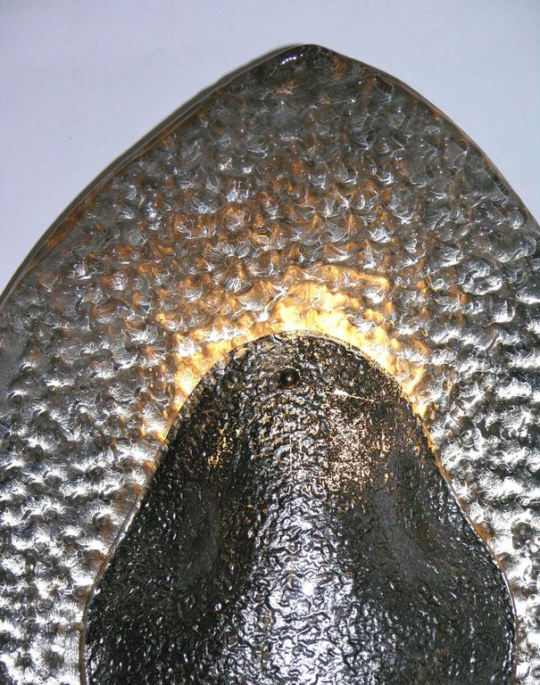 1990s Modern Italian Pair of Silver Finish Textured Murano Glass Concave Sconces For Sale 2