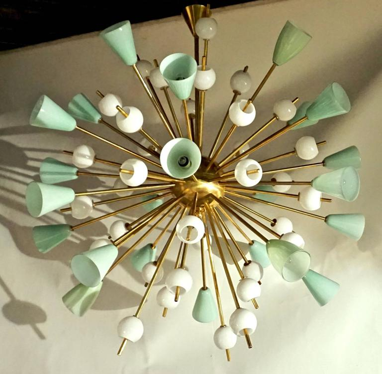 Contemporary Italian White and Mint Green Murano Glass Sputnik Brass Chandelier For Sale 1