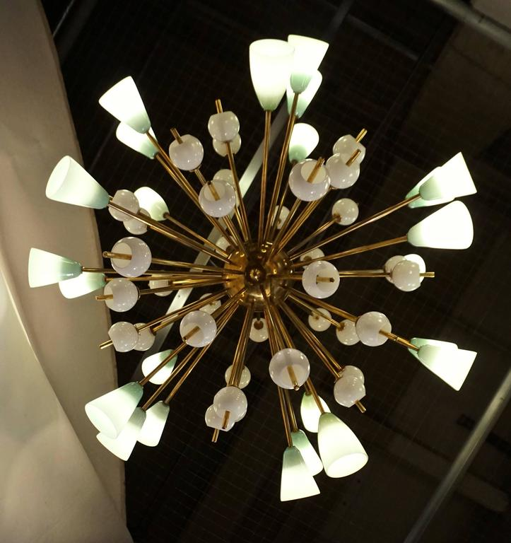 Hand-Crafted Contemporary Italian White and Mint Green Murano Glass Sputnik Brass Chandelier For Sale