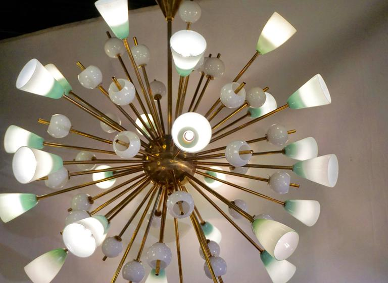 Contemporary Italian White and Mint Green Murano Glass Sputnik Brass Chandelier For Sale 2