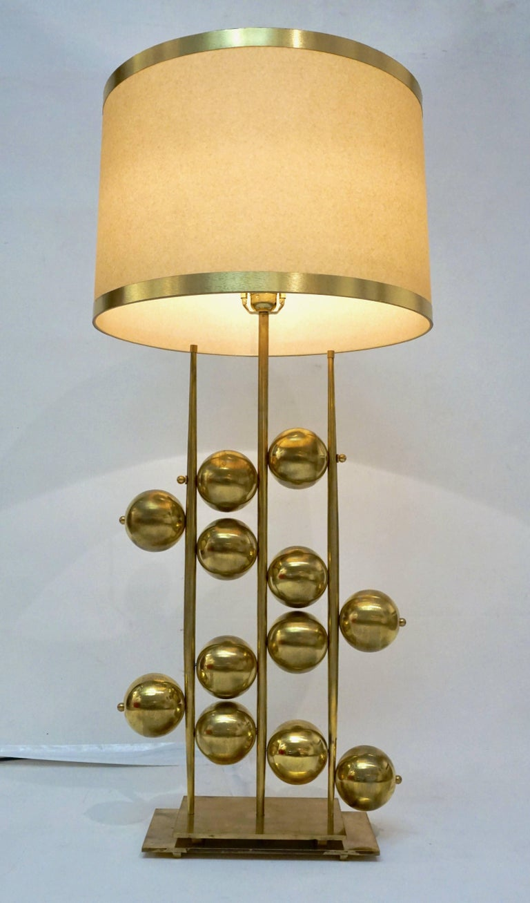 Organic Modern Italian Contemporary Fine Design Pair of Organic Gold Brass Lamps with Spheres For Sale