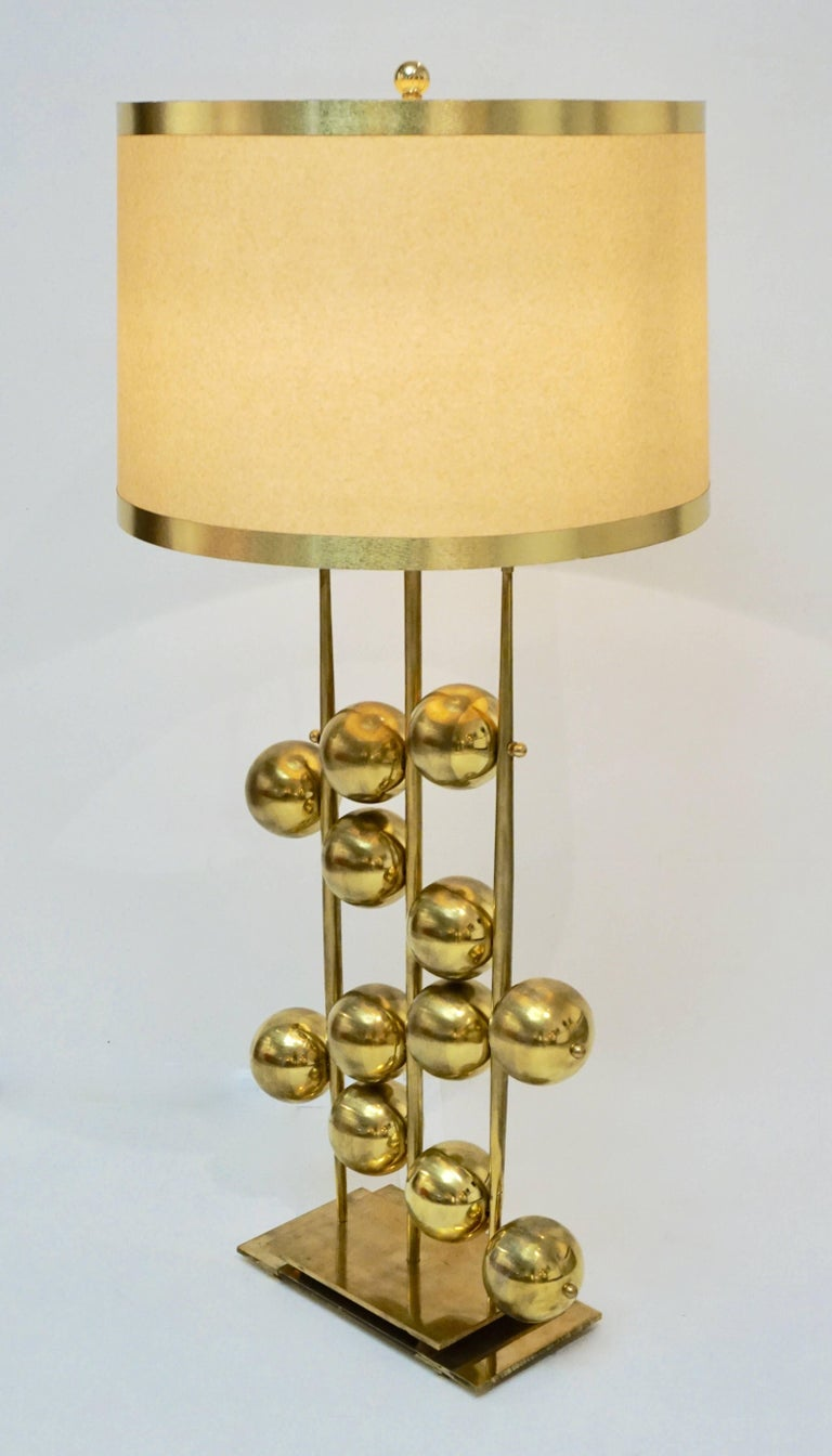 Italian Contemporary Fine Design Pair of Organic Gold Brass Lamps with Spheres For Sale 2