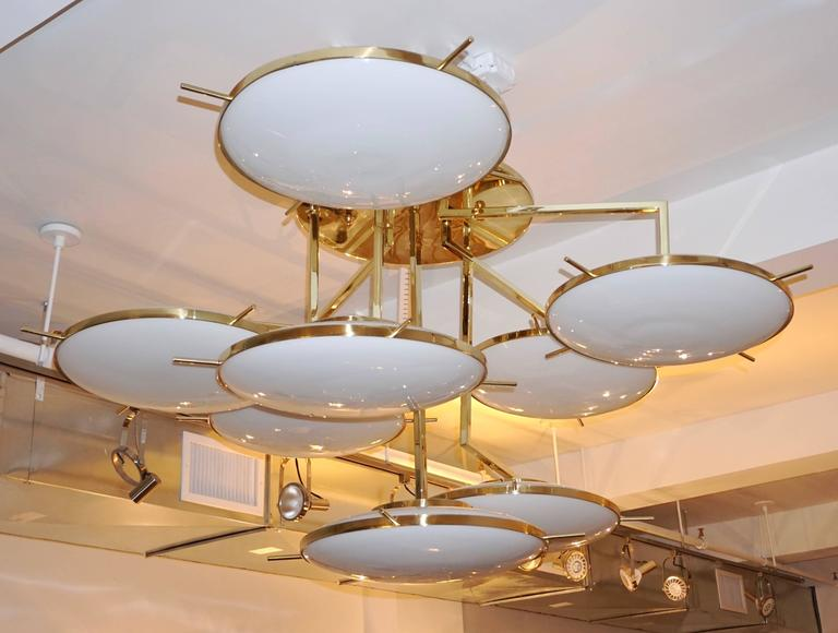 Hand-Crafted Italian Contemporary Multi Level Brass and White Murano Glass Disk Chandelier For Sale