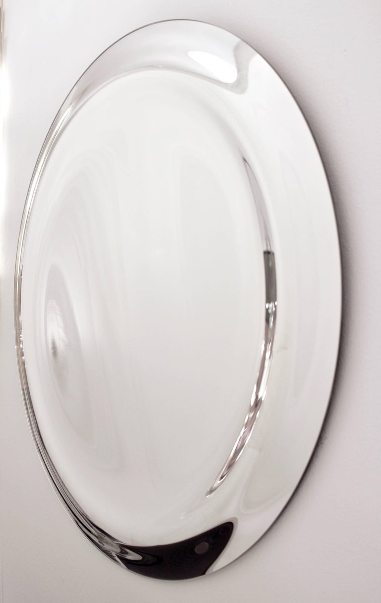 Contemporary italian minimalist curved silver glass round for Large silver modern mirror