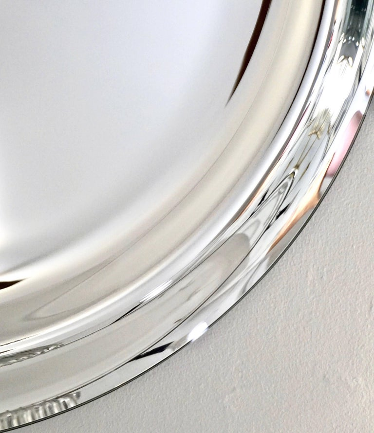 Contemporary Italian Minimalist Curved Silver Glass Round Mirror For Sale 1