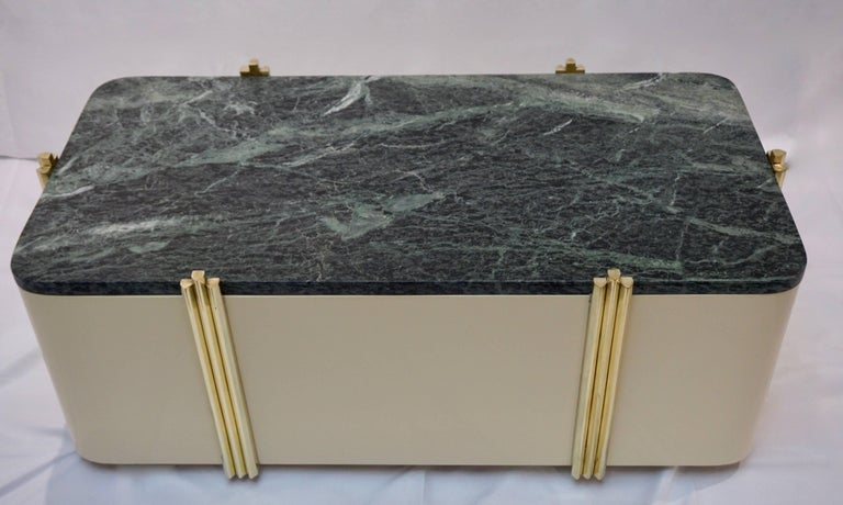 Italian 1970s Art Deco Green Marble and Cream White Lacquered Coffee Table or Bench For Sale