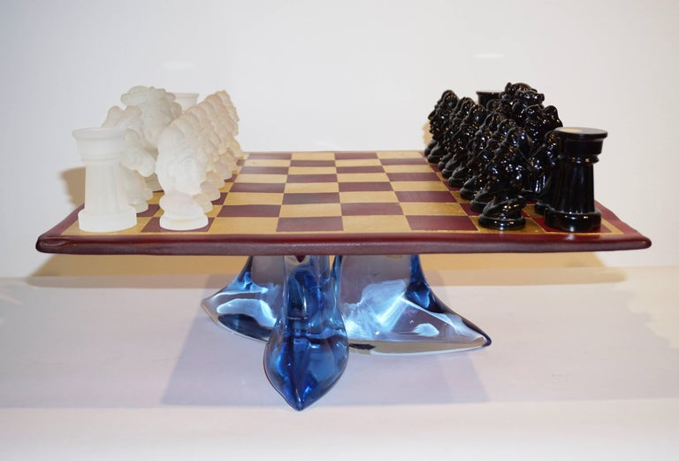 Blown Glass 1980s Nason & Toso White and Black Murano Glass Chess Set on Red and Gold Board For Sale