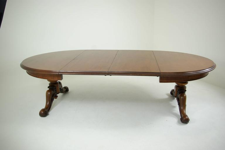B305 Antique Scottish Oval Mahogany Dining Table Carved  : IMGP0446l from www.1stdibs.com size 768 x 514 jpeg 17kB