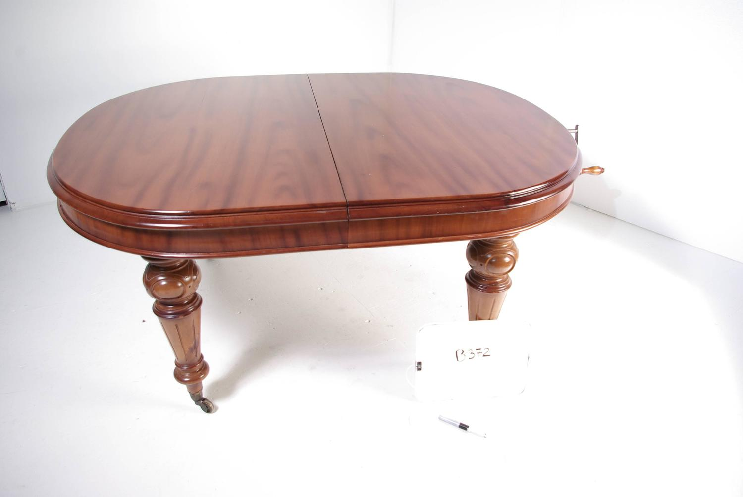 b372 antique victorian mahogany oval dining room table
