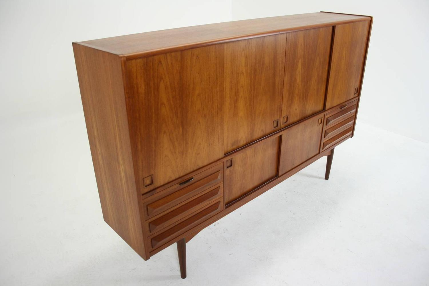 danish mid century modern teak sideboard or buffet at 1stdibs. Black Bedroom Furniture Sets. Home Design Ideas
