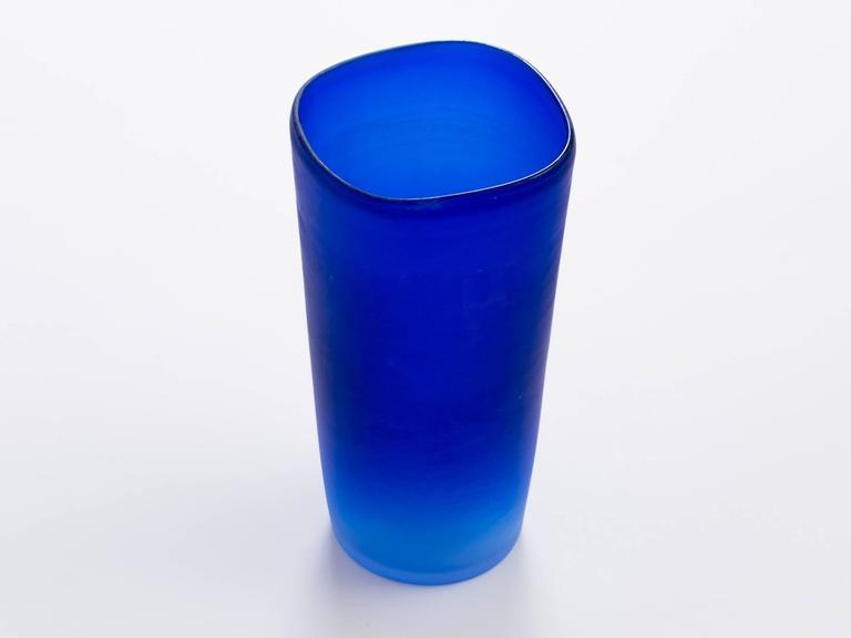 20th Century Cenedese Cobalt Blue Italian Glass Vase For Sale