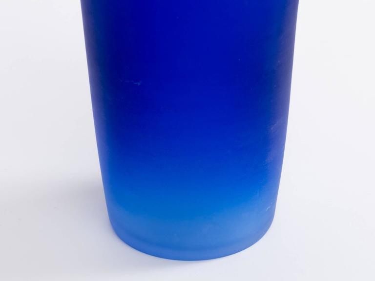 Cenedese Cobalt Blue Italian Glass Vase For Sale 1