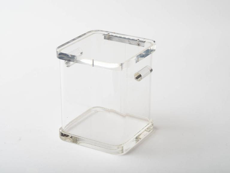 1970s Lucite Ice Bucket In Good Condition For Sale In New York, NY