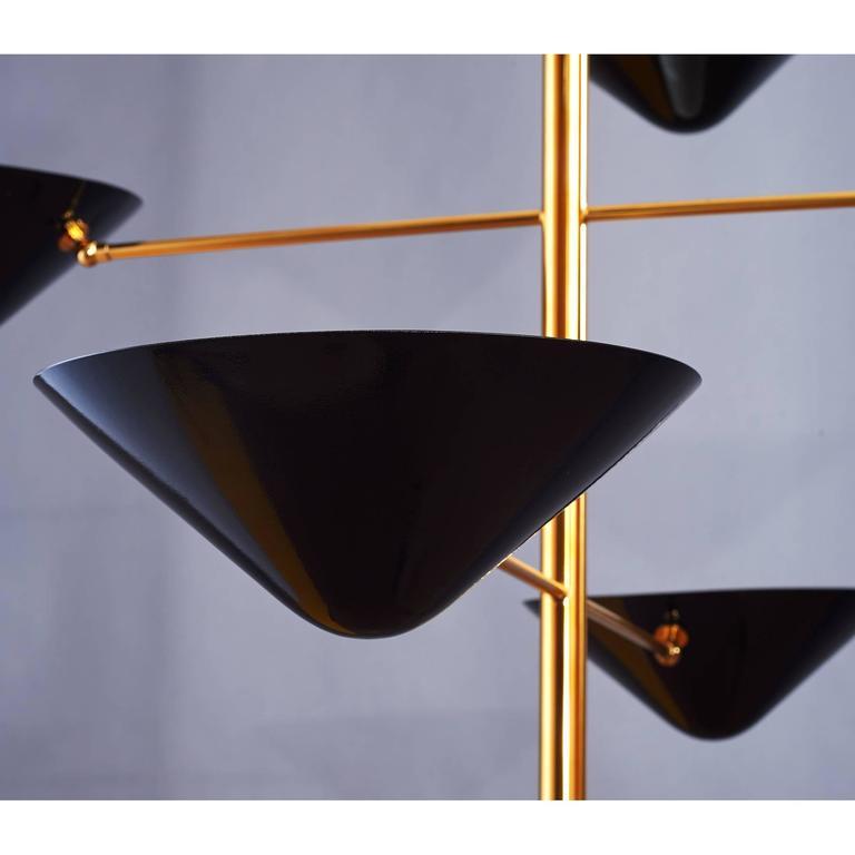 Atemberaubender Hoher Hänge-Kronleuchter aus Messing und Emailliertem Metall 5