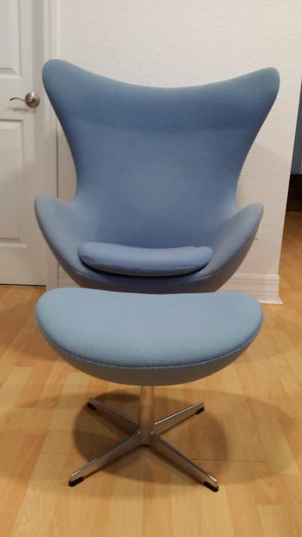 blue fritz hansen arne jacobsen egg chair and ottoman